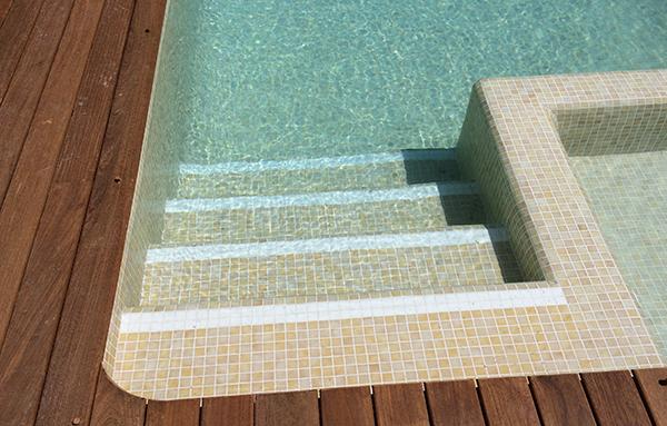 Reparaci n de gresite reparaci n de piscinas for Colores de gresite